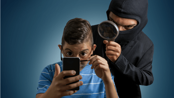 Facebook Is Secretly Spying On Mobile Phone Users